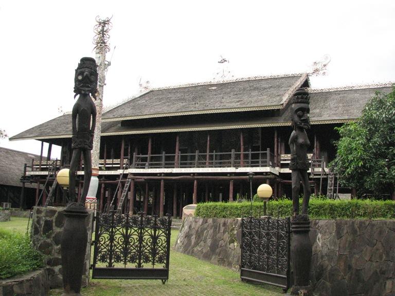 Desain Rumah Adat Kalimantan Tengah Rumah Betang