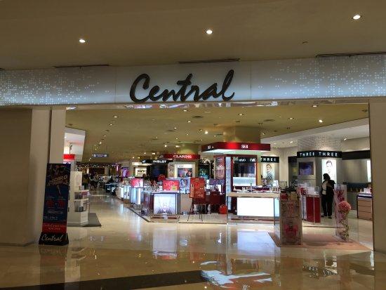 Central Grand Indonesia Terdapat Toko Ternama Menawarkan Diskon 50%