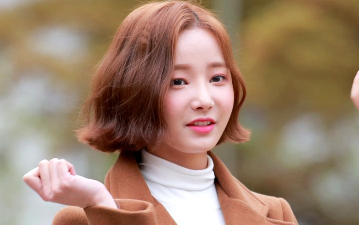 M! Countdown: Yeonwoo Momoland Menjadi Bahan Perbincangan Karena Memakai Celana Pendek Yang Kekecilan